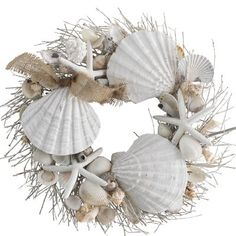Coastal Christmas Wreaths for Beach House Front Door. If you have a beach house or want to bring a little coastal style to your home then a coastal wreath will be a beautiful addition to your holiday decor. Coastal Wreath, Seashell Wreath, Seashell Art, Seashell Crafts, Beach Crafts, Coastal Decor, Beach Themed Crafts, Seashell Frame, Beach Wreaths