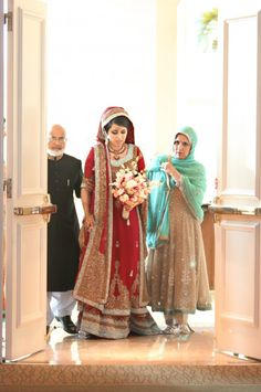 Gorgeous Muslim Wedding by Carrie Wildes 47 Perfect Muslim Wedding Arab Wedding, Desi Wedding, Wedding Pics, Wedding Bride, Wedding Ideas, Wedding Reception, Bridal Hijab, Wedding Hijab, Indian Bridal Lehenga