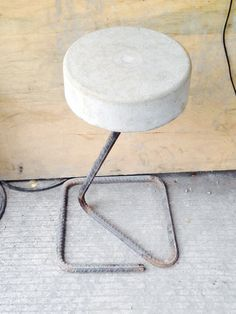 8 Neat Tips: Industrial Furniture Behance industrial chair lounge.Warm Industrial Decor industrial home ideas. Concrete Stool, Concrete Furniture, Concrete Art, Concrete Design, Metal Furniture, Cool Furniture, Industrial Cafe, Vintage Industrial Furniture, Industrial Style