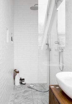 Bathroom renovations small bath remodel New ideas White Bathroom Tiles, Bathroom Wall, Bathroom Interior, Modern Bathroom, Interior Livingroom, Wall Tiles, Small Bathroom Renovations, Upstairs Bathrooms, Bathroom Renos