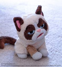Grumpy Cat™ Puppet – Hashtag Collectibles