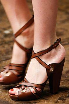 Los accesorios más hot de las pasarelas Primavera / Verano 2014: Donna Karan