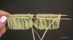 Kun kerron neulovani kaksi sukkaa yhdellä pyöröllä yhtaikaa, saan lähes aina kysymysten tulvan. Eilen opetin Martoille tätä tekniikkaa, ja k... Wool Socks, Knitting Socks, Magic Loop, Drops Design, Diy Projects To Try, So Little Time, Handicraft, Knit Crochet, Hair Accessories