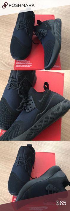 Women NIKE LUNARCHARGE ESSENTIAL sneakers sz 10 👟 New NIKE LUNARCHARGE ESSENTIAL - WOMEN'S 100 💯 % Authentic from NIKE store women size 10 👟👟🛑NO TRADE 🛑 Nike Shoes Sneakers