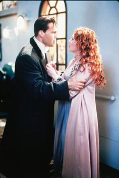 Titanic added 182 new photos to the album: Film Stills. Titanic Movie Scenes, Real Titanic, Billy Zane, Tragic Love Stories, King Of The World, Cinema, Movie Costumes, Kate Winslet, Film Stills