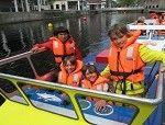 Kids Marina is de leukste waterattractie van Rotterdam. In deze miniatuurhaven midden in de stad voelt elk kind zich de kapitein. Kinderen staan zelf aan het roer van bv. een stoere politieboot, brandweerboot of containerboot. Wie aan boord stapt ontdekt varenderwijs van alles over de haven. Bij het vaargedeelte is permanent toezicht door een havenmeester.