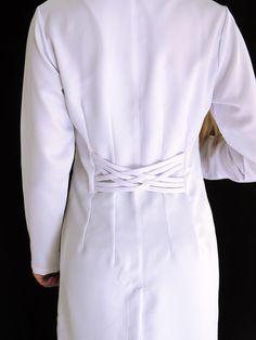 Jaleco Feminino Acinturado Gabardine Básico - 0202 - Ateliê do Jaleco | Jalecos Diferenciados Scrubs Uniform, Lab Coats, Muslim Fashion, Diy Clothes, Couture, Womens Fashion, Outfits, Dresses, White Coats