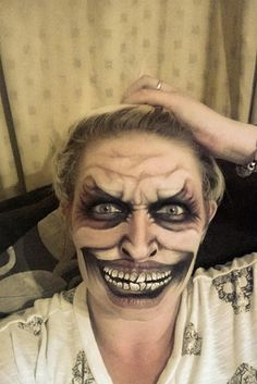 Halloween-Make-up-This Care Worker's Face Paintings Are Incredible And Truly Terrifying Halloween Face Paint Scary, Scary Face Paint, Amazing Halloween Makeup, Halloween Face Makeup, Wolf Face Paint, Witch Face Paint, Zombie Face Paint, Halloween Painting, Horror Makeup