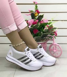 adidas dama deportivos colombianos I'm think they have different editions for each country idk Cute Sneakers, Cute Shoes, Me Too Shoes, Dress With Sneakers, Ella Shoes, Sneakers Fashion, Fashion Shoes, Basket Style, Lace High Heels