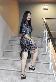 Burmese Girls, Desi Girl Image, Myanmar Women, Beautiful Asian Women, Sexy Asian Girls, Hottest Models, Indian Beauty, Girl Pictures, Asian Woman