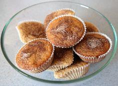 Etter å ha bakt enkaketil utmatrikuleringen i forrige uke, lagde jeg i tillegg noen muffins. Jeg skulle egentlig laget en kake til, men hadde ikke flere kakeformer. Muffinsformer der i mot hadde … Muffin, Breakfast, Food, Morning Coffee, Essen, Muffins, Meals, Cupcakes, Yemek