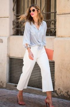 Street style look with white shirt and pants. Street style look com camisa e calça branca. Street style look with white shirt and pants.-- Begin Yuzo --><!-- without result -->Related Post A Fashion-Forward Way to Wear a Camel Coat Spring Work Outfits, Casual Work Outfits, Mode Outfits, Work Casual, Chic Outfits, Casual Chic, Office Outfits, Fashionable Outfits, Casual Attire