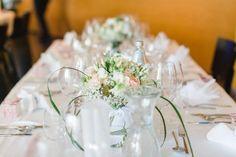 Die Tischdeko / Tischdekoration bei der Hochzeit von Teresa & Marco in Innsbruck. Foto: Freude Lachen Liebe