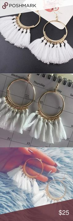 💕Beautiful White & Gold Drop Dangle Earrings! 💕Beautiful White & Gold Drop Dangle Long Rope Fringe Cotton Tassel Earrings!  Super Trendy & So Fun!   Size 4cm - 10cm  🌹BRAND NEW IN PACKAGE-BNIP 🌹HIGHEST QUALITY PRODUCTS 🌹SAME DAY SHIPPING 🌹NO TRADES 🌹OFFERS ACCEPTED THROUGH THE OFFER BUTTON  🚫PLEASE FOLLOW CLOSET  RULES! I DO NOT TOLERATE RUDE BEHAVIOR IN MY BOUTIQUE PLEASE BE RESPECTFUL! Jewelry Earrings