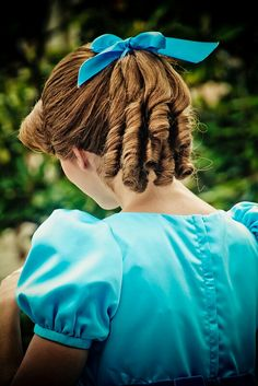 Wendy Darling's hair for CYT Family Halloween, Halloween 2019, Holidays Halloween, Scary Halloween, Halloween Party, Halloween Costumes, Costumes Kids, Peter Pan Kostüm, Peter Pan Party