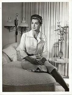 Golden Age Of Hollywood, Old Hollywood, Esther Williams, Natalie Wood, Vintage Tv, Female Stars, Feminine Dress, White Photography, Online Price