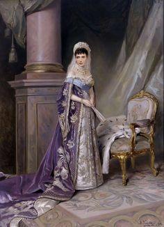 Russian Court dress in painting. Vladimir E. Makovsky. Empress Marie Feodorovna of Russia. 1912. #history #Russian #court #dress
