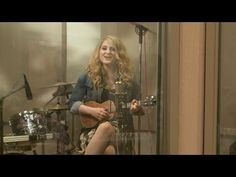 Meghan Trainor Plays 'All About That Bass' on the Ukulele---She has such an amazing voice!