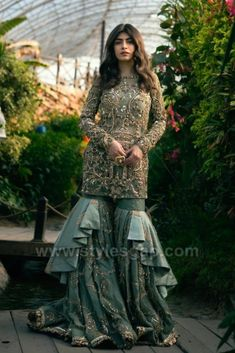Beautiful Pakistani Dresses, Pakistani Formal Dresses, Pakistani Fashion Party Wear, Pakistani Wedding Outfits, Indian Gowns Dresses, Indian Bridal Outfits, Pakistani Bridal Dresses, Indian Fashion Dresses, Pakistani Dress Design