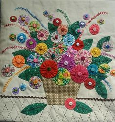 Applique Quilts, Embroidery Applique, Embroidery Stitches, Embroidery Patterns, Quilt Patterns, Flower Quilts, Fabric Flowers, Sewing Crafts, Sewing Projects