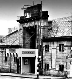 The Plaza at Eglinton Toll. Don't remember this but know it was my Mum's favourite dance hall. Old Pictures, Old Photos, Glasgow Architecture, Paisley Scotland, Rangers Football, Glasgow City, 2nd City, Glasgow Scotland, Dance Hall