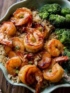 This simple and healthy 20 minute honey garlic shrimp comes together in no time! Cheap Clean Eating, Clean Eating Dinner, Clean Eating Snacks, Healthy Eating, Healthy Lunches, Healthy Food, Dinner Healthy, Eating Raw, Raw Food