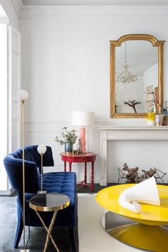 8 Must-Have Living Room Chairs That Will Be Trendy This Summer / modern chairs, chair design, interior design, #modernchairs #designideas #luxurychairs Read article: http://modernchairs.eu/must-have-living-room-chairs-trendy-summer/