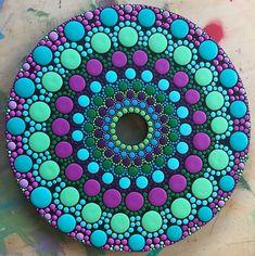 Sun catcher on a cd mandala puntillismo mandalas, mandalas p Mandala Art, Mandala Canvas, Mandalas Painting, Mandala Pattern, Mandala Design, Dot Art Painting, Rock Painting Designs, Pebble Painting, Pebble Art