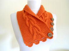 Neckwarmer/button scarf