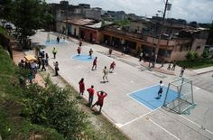 Una Cancha Muchas Canchas / Architecture For Humanity