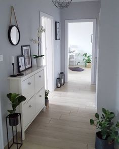 Outstanding smart home decor advice info are offered on our internet site. Read more and you wont be sorry you did. Living Room Designs, Living Room Decor, Bedroom Decor, Flur Design, Farmhouse Side Table, Diy Apartment Decor, Hallway Decorating, Cool Rooms, Smart Home
