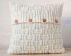 This is gray cable knit decorative cushion cover. Hand knitted and handsewn.  Specifications: Fiber content: 50% wool/ 50% acrylic (pleasant for