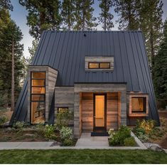 Rustic Contemporary Cabin ~ Lake Tahoe ~ Todd Gordon Mather Architect ~ 📸Vance Fox ~ Architecture et design A Frame House Plans, A Frame Cabin, Tiny House Cabin, Tiny House Design, Rustic Exterior, Exterior Design, Modern Exterior, Cabins In The Woods, House In The Woods