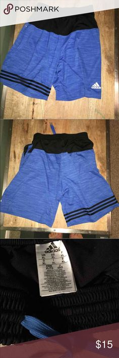 Men's XL adidas shorts In excellent used condition, no rips, stains or flaws. Has pockets and drawstring cord. Great athletic shorts. adidas Shorts Athletic