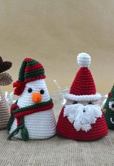 How to make adorable amigurumis for Christmas - Christmas Amigurumi - The How to . - How to make adorable amigurumis for Christmas – Christmas Amigurumi – The How of Things - Crochet Christmas Decorations, Christmas Crochet Patterns, Holiday Crochet, Crochet Toys Patterns, Amigurumi Patterns, Yarn Crafts, Diy And Crafts, Christmas Crafts, Christmas Toys