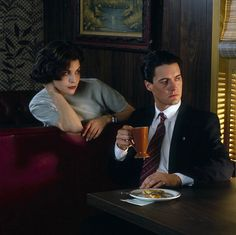 Audrey & Agent Cooper (Kyle MacLachlan) - coffee scene - Twin Peaks