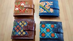 Billeteras Purses And Bags, Projects To Try, Tapestry, Embroidery, Leather, Ideas, Wallet, Amor, Embroidery Stitches
