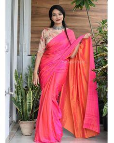 Simple Saree Designs, Simple Sarees, Trendy Sarees, Stylish Sarees, Cotton Saree Blouse Designs, Sarees For Girls, Velvet Dress Designs, Saree Models, Blouse Models