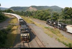 RailPictures.Net Photo: NS 9473 Norfolk Southern GE C40-9W (Dash 9-40CW) at Enola, Pennsylvania by David Stewart