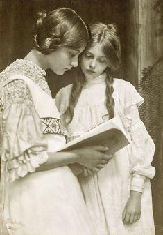 Rudolf Dührkoop, Gertrude und Ursula Falke, 1906.