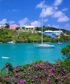 #ridecolorfully around Bermuda... while wearing Bermudas!