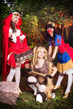 Ssteampunk cosplay of snow white, rapunzel, red riding hood Disney Steampunk Cosplay, Steampunk Fairy, Steampunk Fashion, Cosplay Costumes, Halloween Costumes, Cosplay Ideas, Costume Ideas, Steam Girl, Steam Punk