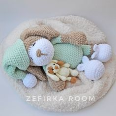 Right here you can see how to make this sweet bears amigurumi. The size of finished toy is about 13 cm. Free amigurumi teddy bear pattern by Nelly Handmade. Chat Crochet, Crochet Teddy, Crochet Bunny, Crochet Animals, Crochet Toys, Free Crochet, Crochet Snowman, Easy Crochet, Crochet Dolls Free Patterns