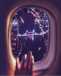View of the Tower Bridge by night from an airplane window. By Kristina Makeeva Airplane Photography, London Photography, Travel Photography, Airplane Window, Airplane View, Jolie Photo, London Calling, Travel Aesthetic, London Travel