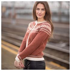 Ingeborgkofta fra Knitting Inna Knitting Projects, Knitting Patterns, Sweater Patterns, Pullover, Fabric, Sweaters, Inspiration, Clothes, Style