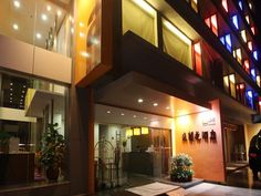 Guangzhou Hotel Elan China, Asia Hotel Elan is perfectly located for both business and leisure guests in Guangzhou. Offering a variety of facilities and services, the hotel provides all you need for a good night's sleep. Service-minded staff will welcome and guide you at the Hotel Elan. Television LCD/plasma screen, air conditioning, desk, mini bar, blackout curtains can be found in selected guestrooms. The hotel offers various recreational opportunities. No matter what your r...