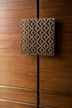House Main Door Design, Flush Door Design, House Ceiling Design, Door Design Interior, Modern Entrance Door, Main Entrance Door Design, Front Door Design, Sliding Door Wardrobe Designs, Wardrobe Design Bedroom