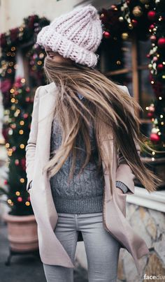 ↠{@AlinaTomasevic}↞ :Pinterest <3 | ☽☼☾ love life ☽☼☾ | #fall #fashion / pastel pink + knit layers