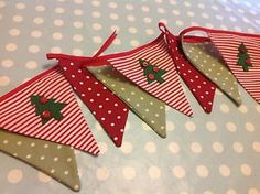 Items similar to Christmas handmade fabric bunting christmas tree vintage shabby chic Xmas decoration garland buttons red green craft on Etsy Christmas Tree Garland, Felt Christmas Decorations, Christmas Tree Cards, Christmas Makes, Christmas Sewing, Christmas Fabric, Handmade Christmas, Vintage Christmas, Christmas Crafts
