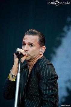 PHOTOS - Dave Gahan lors du concert de Depeche Mode au Stade de France, le 15…